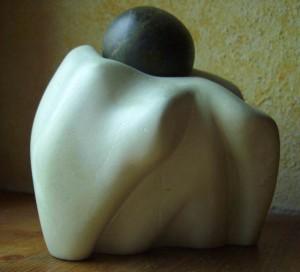 Skulptur aus zwei Specksteinen
