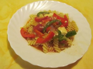 Tomaten-Paprika-Feta-Sauce